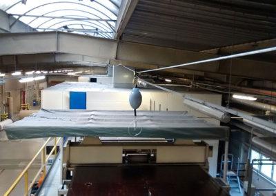 podwieszany system asekuracji na hali