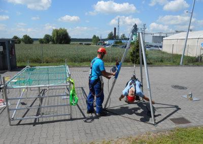 szkolenia z obslugi trójnogu ratowniczego