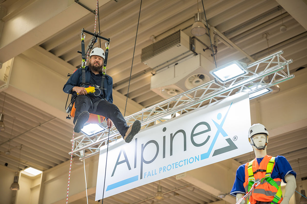 Urządzenie zabezpieczające przed upadkiem z wysokości Rope Climber